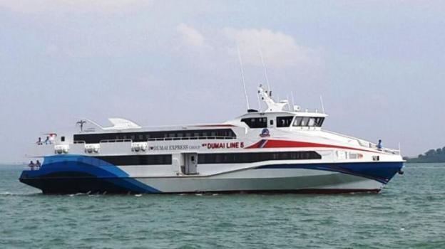 kapal-dumai-express-dan-dumai-line_20150707_165911